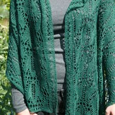 Gardiner Yarn Works Ivy Wrap PDF