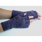 Kira K. Designs 410 Medallion Gloves PDF