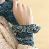 Stacy Charles Fine Yarns Alice Wristlets PDF
